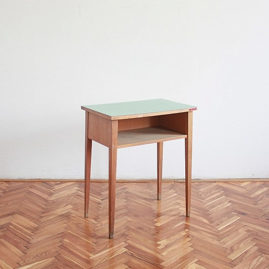 TRIJE-KOSI-green-vintage-side-table-1-550x550