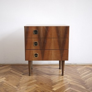 TRIJE-KOSI-vintage-night-table-veneer-3-550x550