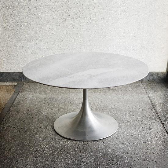 vintage-tulip-white-marble-table-1-550x550