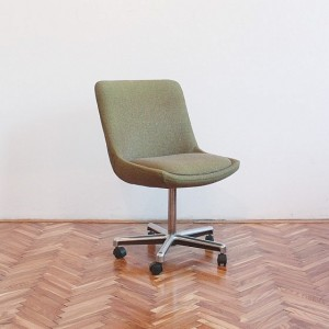 TRIJE-KOSI-green-office-chair-wheels-1-560x560