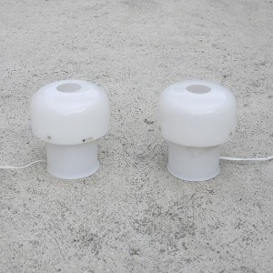 TRIJE_KOSI_Meblo_Pair_white_table_lamps02-550x550